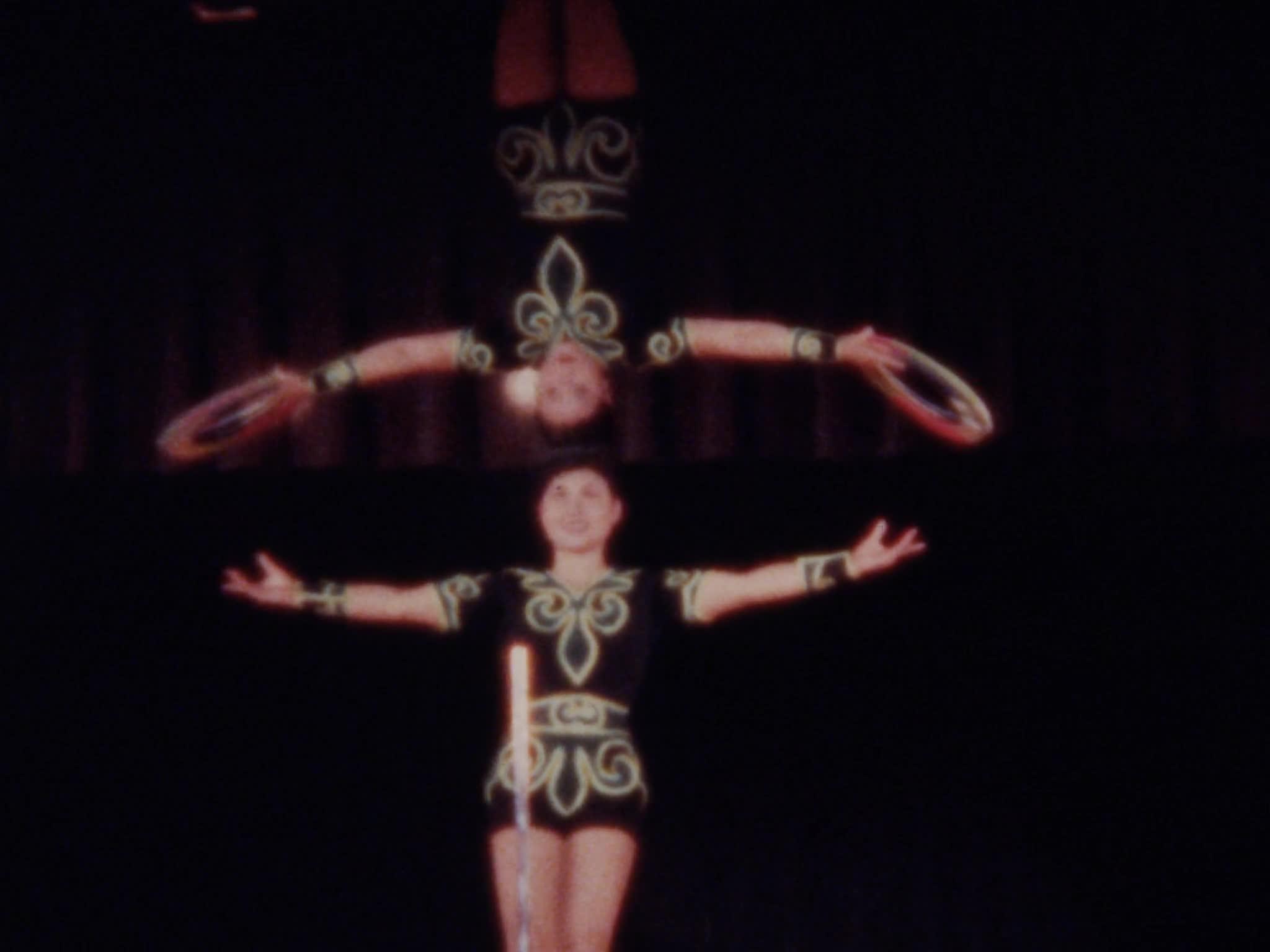 Chinese Performers, Big Jug, Balancing, Juggling and Arial Acts
