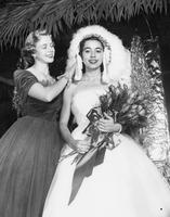 Homecoming Queen Ann Yates Crowned By Marlies Gessler