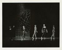 Sharyn Heiland and dancers in performance