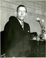 Claude Pepper at podium giving a speech