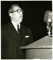 Claude Pepper speaking at the Beat Dewey Campaign