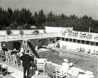 People around the pool of the Belleview-Biltmore Hotel