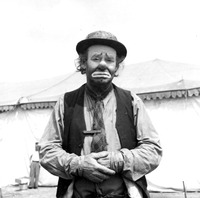 Emmett Kelly in clown costume